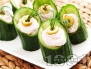 Снимка на рецепта Коктейлни хапки - пълнени краставички с хайвер